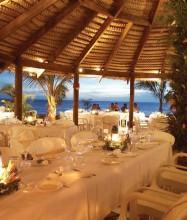 castway-resort-fiji-wedding-photo2