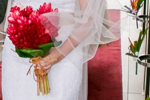 fiji-wedding-bouquet-red-flowers
