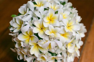 fiji-wedding-frangipani-bouquet1