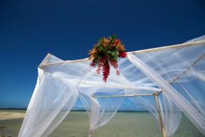 fiji-wedding-marquee-centrepiece
