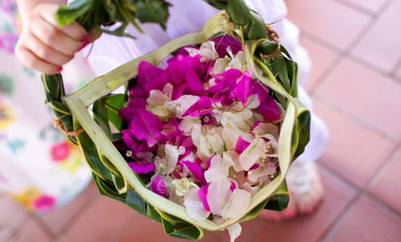 outrigger fiji beach resort wedding flowers