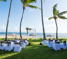 Outrigger Fiji Beach Resort – Beach Wedding