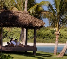 intercontinental-resort-fiji-honeymoon