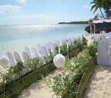 Shangri-La Fijian Resort & Spa – Beach wedding