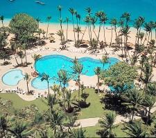 Shangri-La Fijian Resort & Spa – Pool & Beachfront
