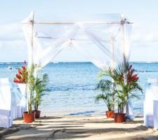 Outrigger Fiji Beach Resort – Beachfront Wedding