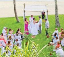 Outrigger Fiji Beach Resort – Beach Wedding
